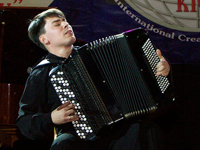 Kostyantyn Zhukov - bayan player, teacher from Ukraine